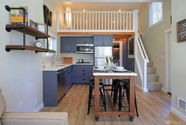 маленькая столовая в квартире 37 кв.м