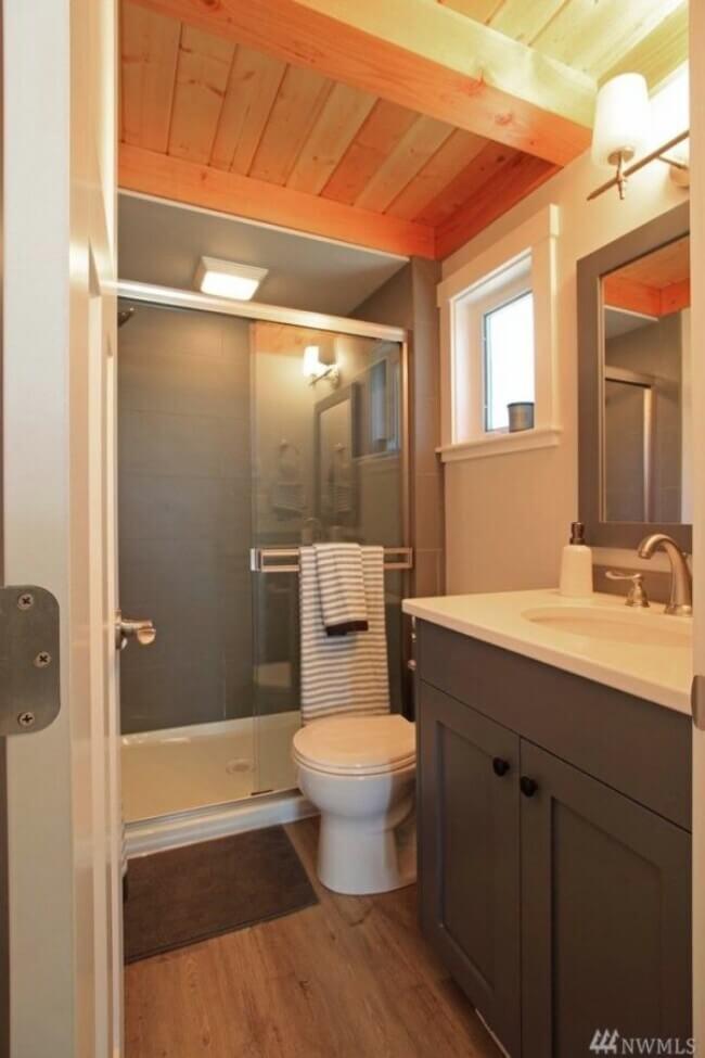 маленькая ванная в квартире 37 кв.м