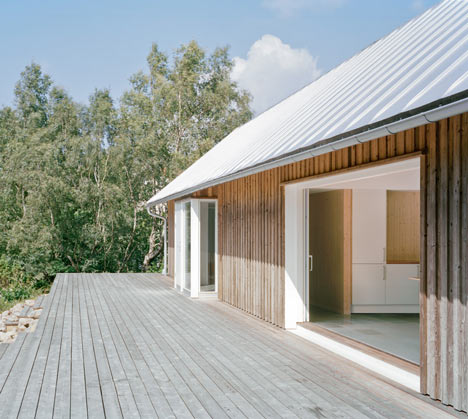 панорамные окна в летнем домике